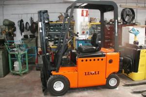 Stato: Nuovo o Usato Modello: Lugli ETX R23 Montante: elettronico – Triplex Gal H 4200 mm Portata kg: 2300 Dichiarazione di Conformità: CE
