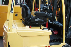 Stato: Nuovo o Usato Modello: Hyster J 2.00 XMT Montante: elettronico – Triplex Gal H 4450 Portata kg: 2000 Dichiarazione di Conformità: CE