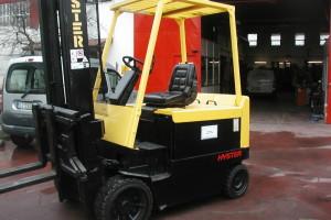 Stato: Nuovo o Usato Modello: Hyster E 4.00 XL Montante: Duplex H 4300 mm Portata kg: 4000 Dichiarazione di Conformità: CE