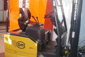 Stato: Nuovo o Usato Modello: OM XE 13 AC Montante: Triplex Gal H 4470 mm Portata kg: 1300 Dichiarazione di Conformità: CE
