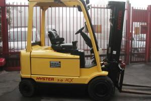 Stato: Nuovo o Usato Modello: Hyster J 3.00 XM Montante: Triplex Gal H 4610 mm Portata kg: 3000 Dichiarazione di Conformità: CE